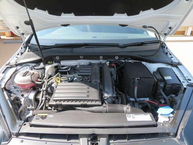 1800cc並みの軽快な運動性能と低燃費を兼ね備えた1200ccTSIエンジンです☆