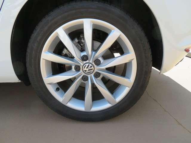 タイヤサイズは225/45 R17です☆