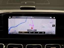 【運転中の心強い相棒MBUX】運転中の心強い相棒「MBUX」。簡単にご説明すると車版の「Siri」や「Alexa」といったところでしょうか。「ハイ!メルセデス 」と話しかけるだけで簡単操作!どんどん話しかけてください!