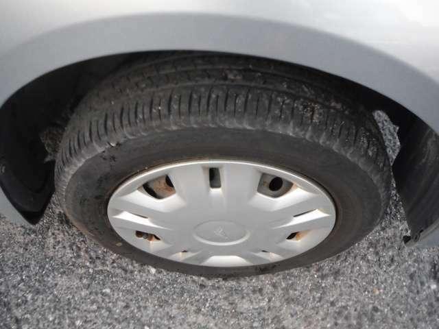 気になるタイヤの溝もしっかり残っています。ご安心下さい!