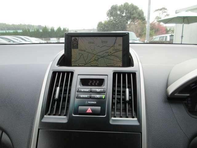 HDDナビ付きです★プライベートにビジネスにやっぱりあると便利な装備♪知らない街でも迷うことなく安心してドライブをお楽しみいただけます♪