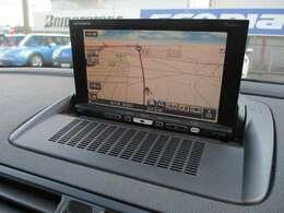 社外HDDナビが装備されております♪画面もクリアで見やすく運転中も確認しやすいです♪フルセグとDVDの視聴もお楽しみ頂けます♪ミュージックサーバーも搭載されておりますので好みの音楽を録音してお楽しみ下さい♪