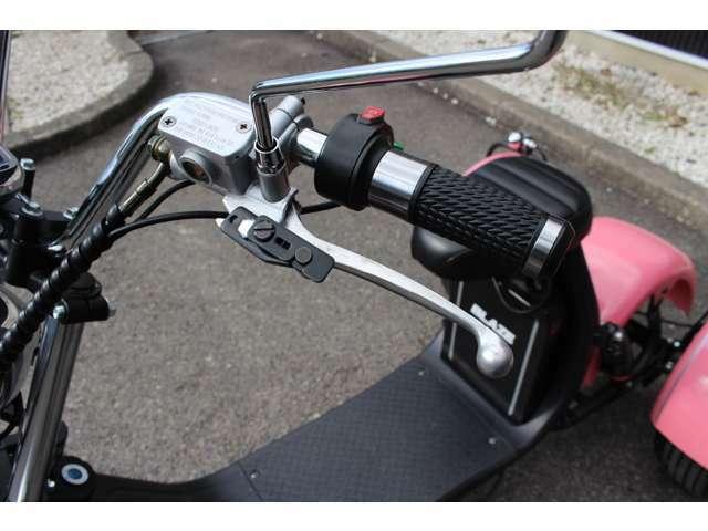 本体価格188000円! 「クルマよりも手軽に、三輪トライク」EV三輪トライク・公道走行可・車検不要・車庫証明不要・ヘルメットの着用義務もありません。 老若男女問わず簡単に楽しく運転していただけます。