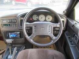 30年以上も前の運転席廻りとは思えない充実装備です
