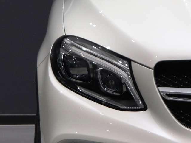 【インテリジェントライトシステムを搭載したLEDハイパフォーマンスヘッドライト】多彩なライト機能をフルLEDで実現し、良好な視界を確保します!