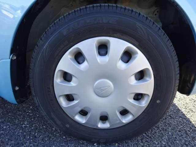 タイヤの溝もまだ大丈夫!消耗品部分で気になりますよね!新品タイヤをご希望の方は遠慮なくお申し付け下さい!!