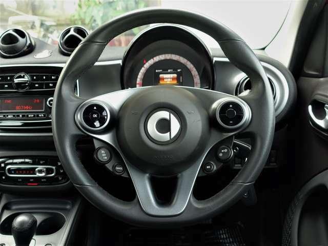 ◇クルーズコントロールが付いております!高速道路などの一定速度で走る際はボタン一つで運転がとても楽で安心です!