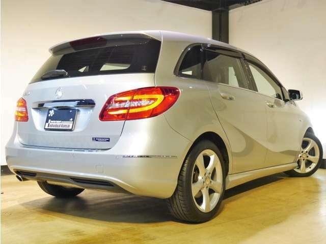 ●AIS社とJAAA社による第三者機関の車両鑑定書付きです。内外装共に高評価を取得しており、もちろん修復歴はありません。走行距離管理システムにも照会済みのお車です!安心してお乗りください♪