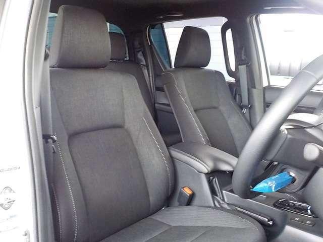 ☆クッション性の高いシートで長距離ドライブでも疲れにくくなっています!