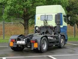 各種トラック多数品揃え!軽四から大型車、建設機械、フォークリフト。お探しの商用車、機械をお探しします。お気軽にお問合せください。