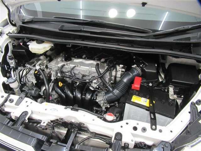 エンジンルーム内も隈なく清掃実施済み。これが「トヨタ認定中古車」品質の魅力です!