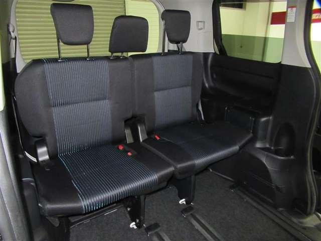 サードシート付の7人乗りです。大勢でのお出掛けにも対応可能。ワイワイ楽しくお出掛け下さい