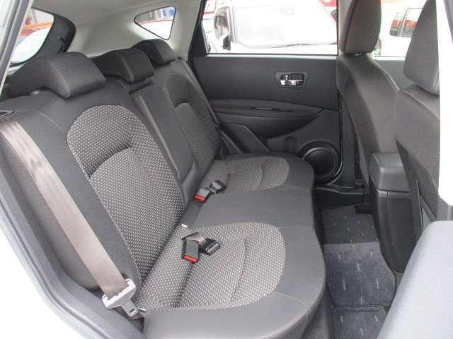発泡ウレタンを採用したリアシートで快適なドライブをお楽しみ頂けます♪