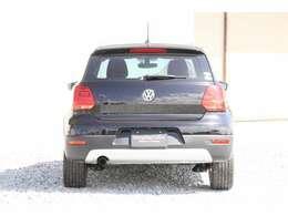 クロスポロはポロより車高が高くなっており、SUVテイストなお車になっております。