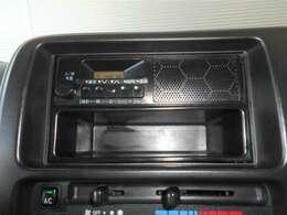 AMラジオ付き。