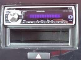 オーディオはA/M ・F/M・CDが聞けます。オーディオをはずしてお客様のお好きな物を入れていただけますので詳しくはスタッフまでお問い合わせください。