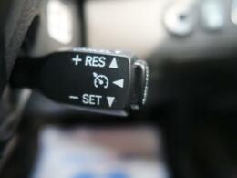 ●高速道路で便利な【クルーズコントロール】も装着済み。アクセルを離しても一定速度で走行ができる装備です。加速減速もスイッチ操作でOKです