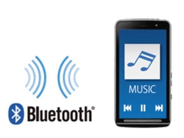 Bプラン画像:BLUETOOTH接続に対応した音楽機器を事前に登録しておくことで、簡単にストラーダと無線接続することが可能。再生などの操作はストラーダの画面から行うことができます。