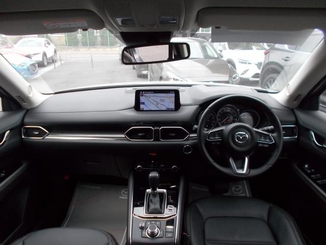 クルマとの一体感を生み出すドライビング空間!運転に集中しながら必要な情報を逃がさないヘッズアップコックピット!