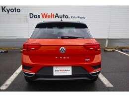 """正規ディーラー認定中古車 """"Das WeltAuto""""(ダス・ヴェルトアウト)。デモカー。禁煙車。"""