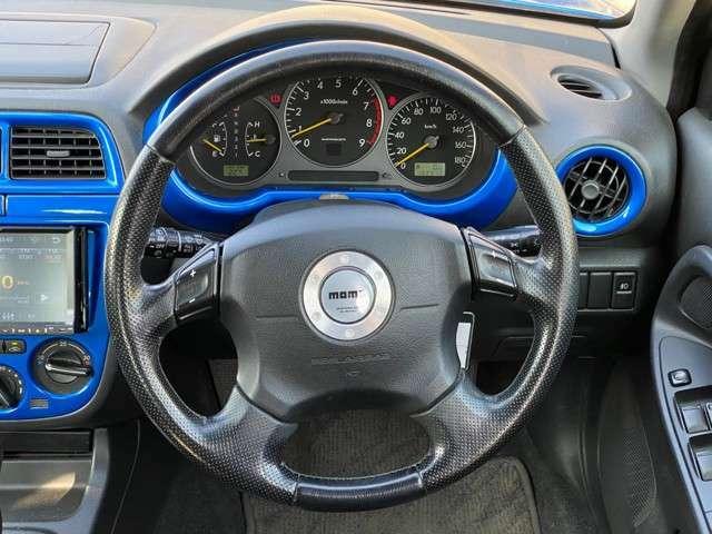20K 記録簿 4WD ターボ キーレス ブルートゥース接続 マニュアルモード付 電格ミラー 純正17インチアルミホイール 純正MOMOステアリング フルフラット エアコン パワステ パワーウインドウ