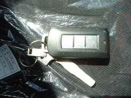 キーフリーシステムで開錠・施錠・始動・停止が楽々できるのでとても便利です。