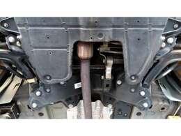 エンジンアンダーカバー