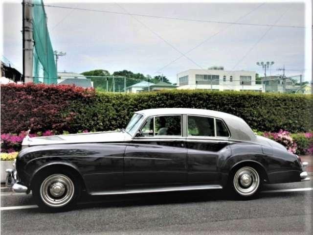 1963年モデル ロールスロイス シルバークラウドIII 左ハンドル