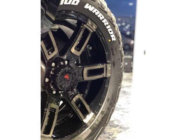 当社オリジナル20インチAW「KANONE(カノン)」ブラッククリア!タイヤはMONSTAタイヤを装着です!もちろんミラークリアに変更などご希望がございましたらお気軽にスタッフまで!