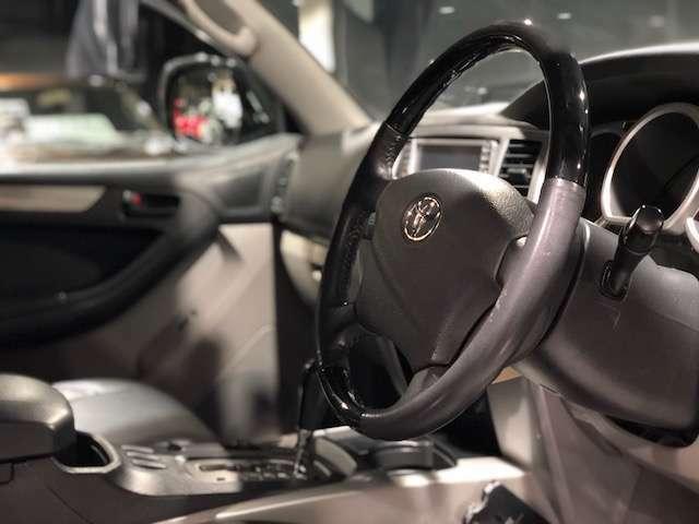 ステアリングは当社オリジナルです!車両本体価格に含まれます。
