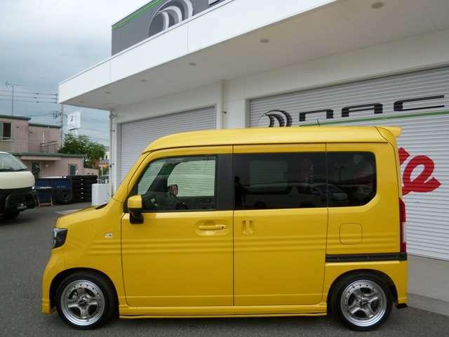 ボディカラーのプレミアムイエローパールは通常+32400円のオプションカラー!ホンダセンシング装着車!