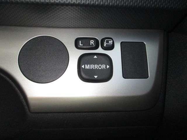 電動格納式ドアミラー調節スイッチ