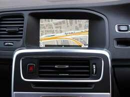 純正のHDDナビゲーションを装備しております。DVDの視聴やBluetoothにも対応しております。