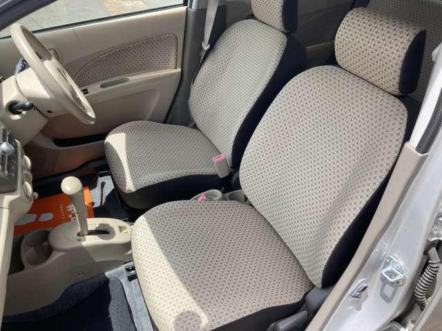 助手席も広々しており、快適なドライブができます♪