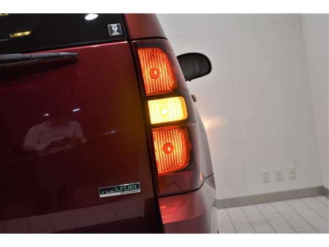 広々した展示場で、じっくりとお車のご確認をいただける環境をご用意しております!白基調の爽やかなショールームにて素敵なお車をご覧くださいませ。