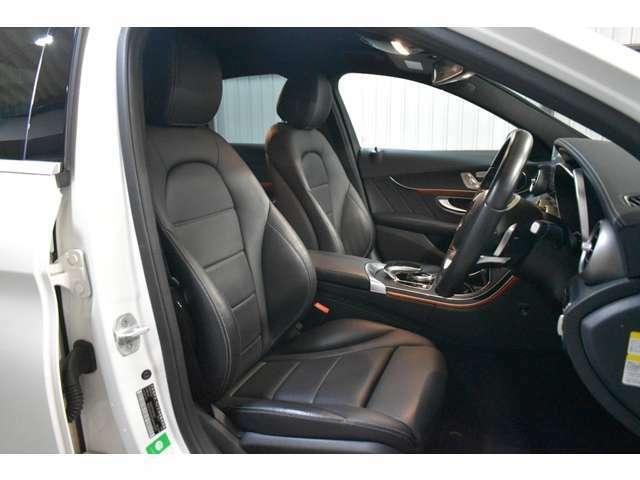 ヒーター付ARTICOブラックレザー電動スポーツシート(メモリー付電動)・3パターンまでシートポジションをメモリーできる嬉しい装備です。