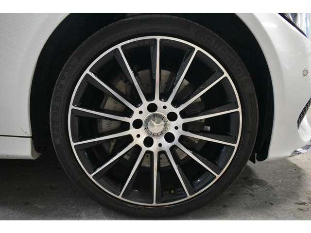 C250専用AMG19インチマルチスポークアルミホイール!!ブラックとポリッシュのツートーンアルミホイールです