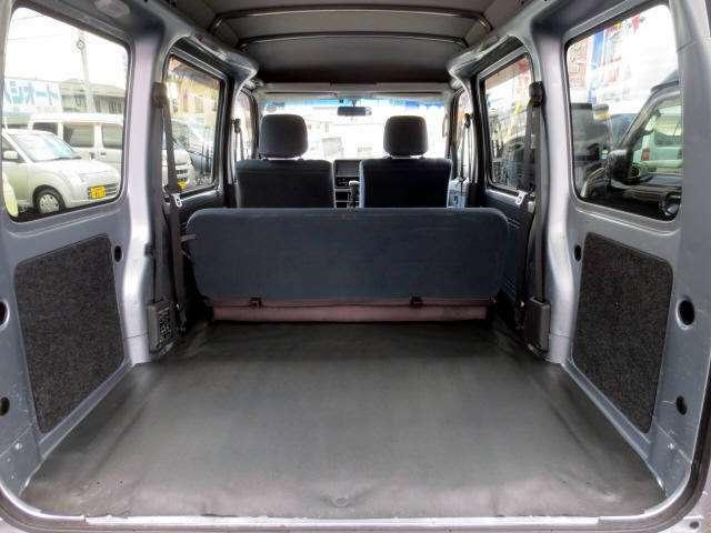 4人乗車時でもリアラゲッジスペースは余裕の広さ! さすが軽箱!