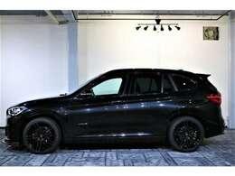 BMWのハイ・パフォーマンス・モデルであるMモデルを手掛けるBMW M社が開発した専用装備を採用し、ダイナミックなスタイリングと走りを強調した「Mスポーツ」