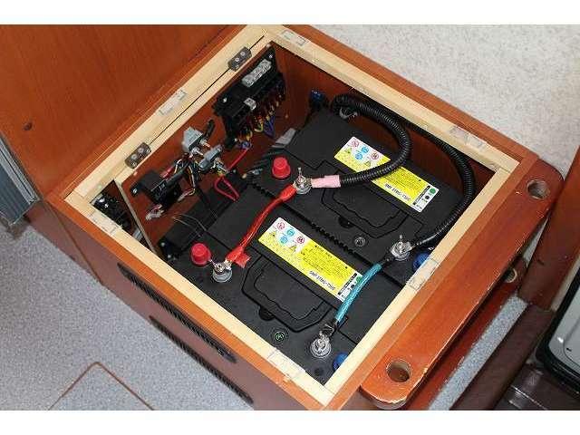 ツインサブバッテリー・走行充電器・外部充電器・300Wインバーター!!その他追加装備の取り付けも当社にお任せ下さい!!