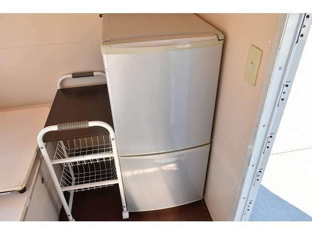 冷凍41L,冷蔵81Lのナショナル製冷蔵庫☆キャスター付ラックもございます☆