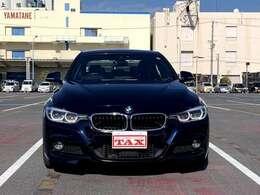 ・フロントシートヒーティング(運転席&助手席)・専用BMW Individualピアノフィニッシュブラックインテリアトリム/パールグロスクロムハイライト(専用レタリング&限定シリアルナンバー付き)