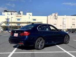 ・BMWヘッドアップディスプレイ ・レーンチェンジウォーニング ・harman/Kardonサラウンドサウンドシステム