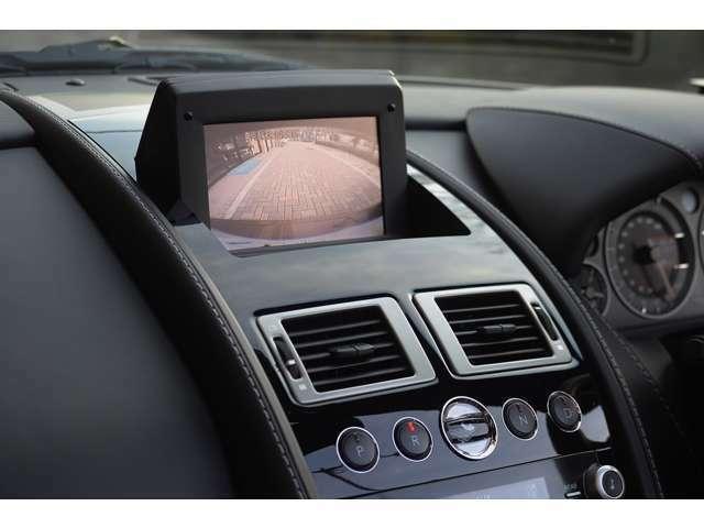 ポップアップナビがインストールされています。バックカメラもございますので、駐車の際も安心です。