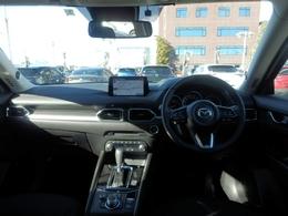 運転席10WAYパワーシート&ドライビングメモリー機能シート。自分のポジションにメモリーできます。