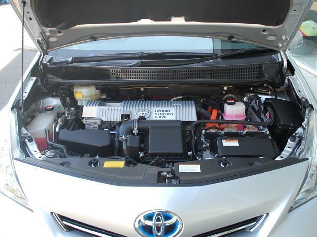 人気車プリウスアルファまたまた入荷しました・純正SDナビ&TV・Bモニタ・詳細はHPをご覧下さい!