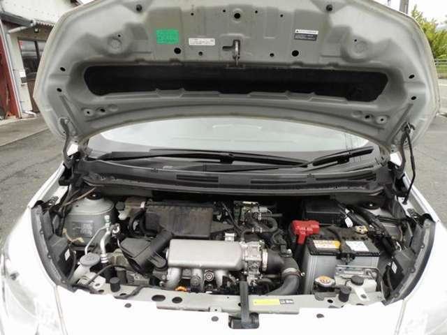 綺麗なエンジンルームです スーパーチャージャー付でよく走って低燃費です