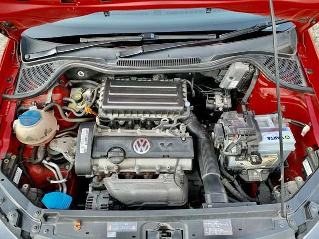 エンジン・ベルト・バッテリー周りも問題御座いません。納車時にオイル交換をさせて頂きます。