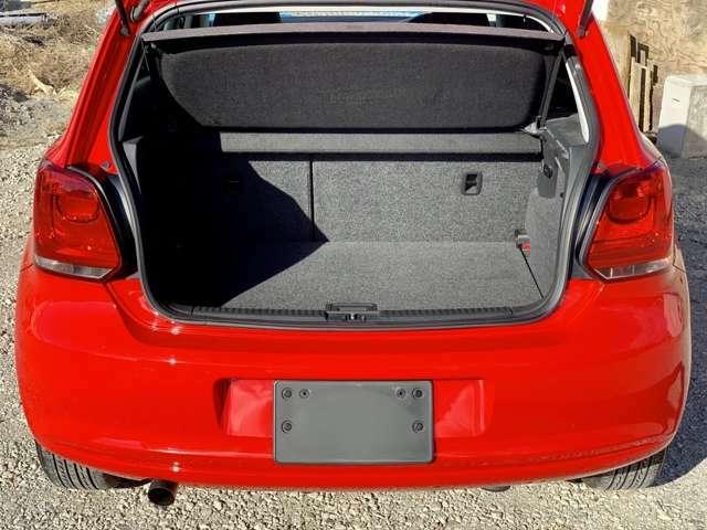 トランクもフルフラットにすると広いので荷物も多くのります。
