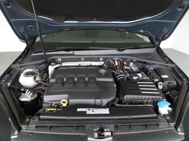 パワフルな走りと燃費を両立する2Lクリーンディーゼルターボエンジンを搭載!